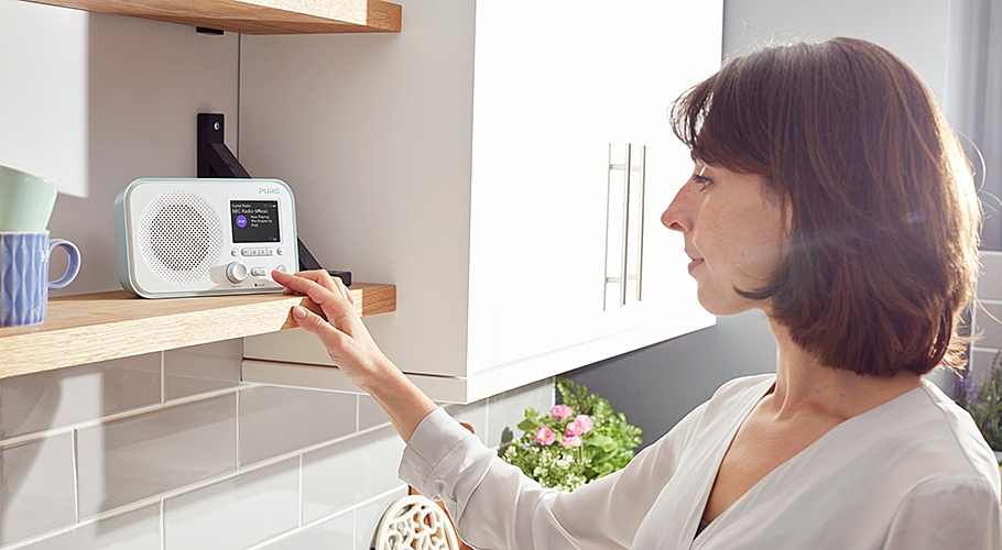 Radio portable FM. DAB. DAB+ avec connectivité Bluetooth® - PURE Elan BT3