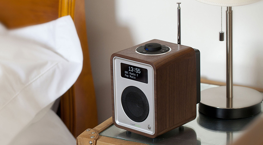 Radio transportable FM RDS. DAB. DAB+ et Bluetooth® -  RUARK AUDIO R1 MK3