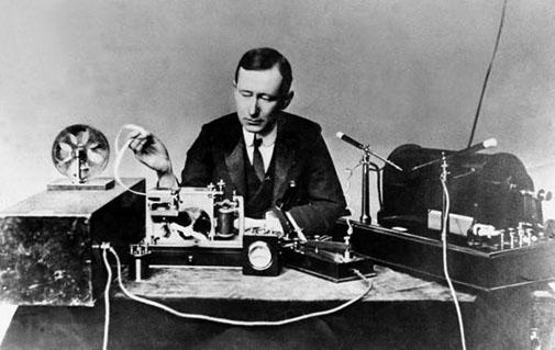 Guglielmo Marconi expérimente la TSF